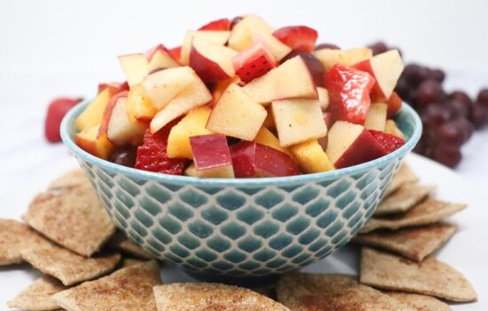 Fresh Fruit Salad With Cinnamon Sugar Chips – Low-Calorie