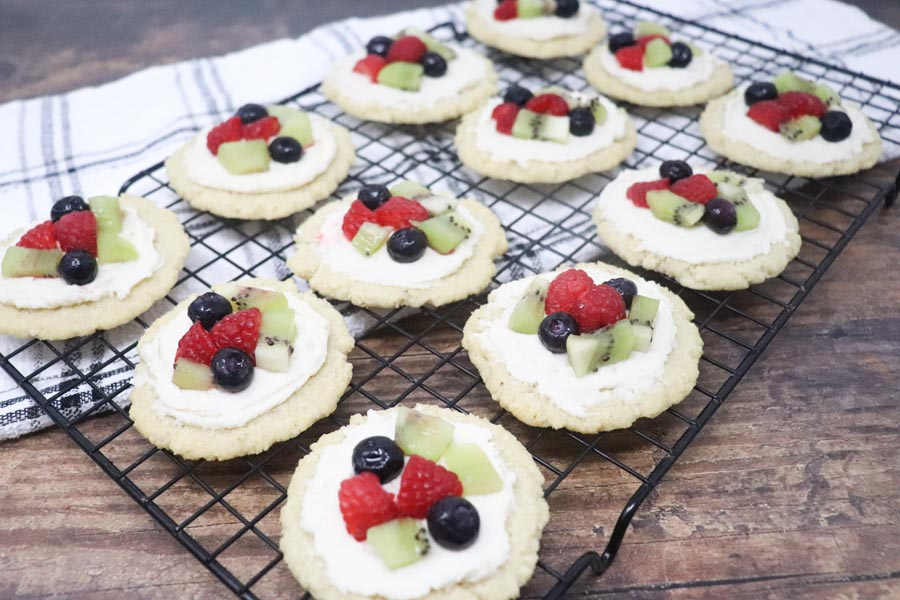 Low-Carb fruit pizza sugar cookies