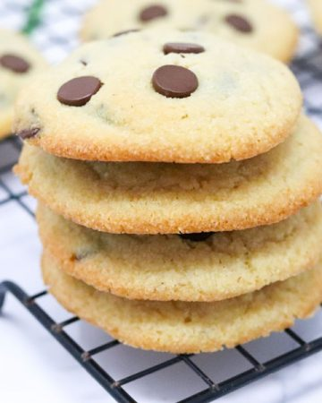 Chewy almond flour chocolate chip cookies