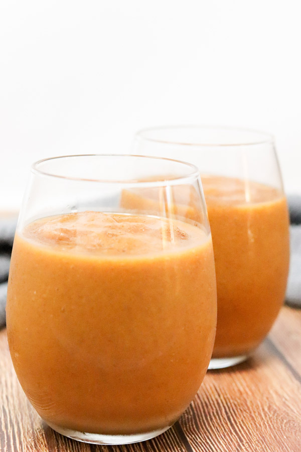 healthy pumpkin spice smoothies